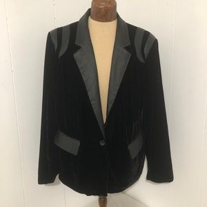 Womens Black Velour/Faux leather Blazer. Size  XXL